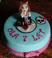 tort z monster high lalka